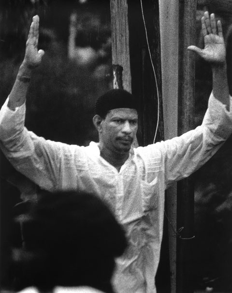Abu Bakr surrendering in 1990